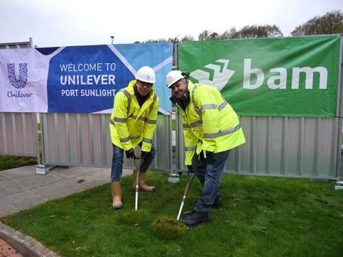 Construction starts on Unilever's North West Innovation Centre L: Cameron Jones (Port Sunlight site leader) Unilever R: Dave Penrith (Vice President Technology & Engineering) Unilever