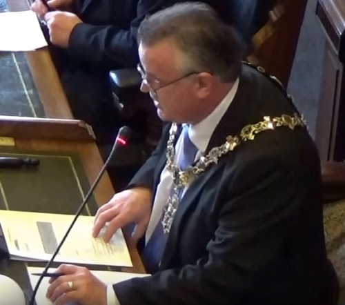 Mayor of Wirral Cllr Les Rowlands Extraordinary meeting of Wirral Council 4th April 2016