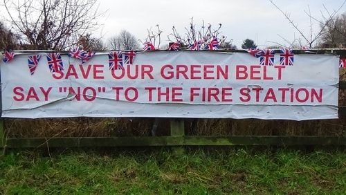 photo 11 Land off Saughall Massie Road Saughall Massie 13th December 2016 SAVE OUR GREEN BELT SAY NO TO THE FIRE STATION banner