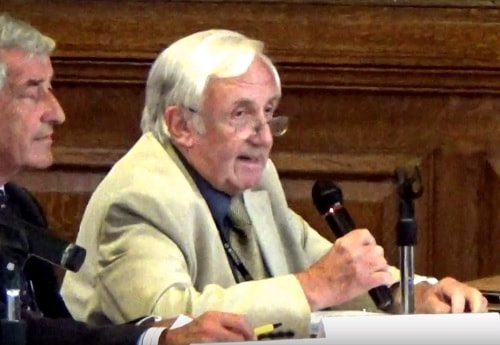 Cllr David Elderton (right) proposing a site visit for-planning application APP/17/00306 at Wirral Council's Planning Committee meeting on the 22nd June 2017