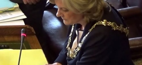 Who's leaving Wirral Council and what is a 20,085 signature petition against?